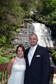 Anna Ruby Falls - Waterfall Weddings_079.jpg