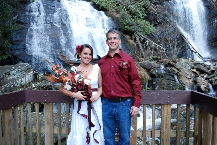 Wedding At Anna Ruby Falls Near Helen Georgia